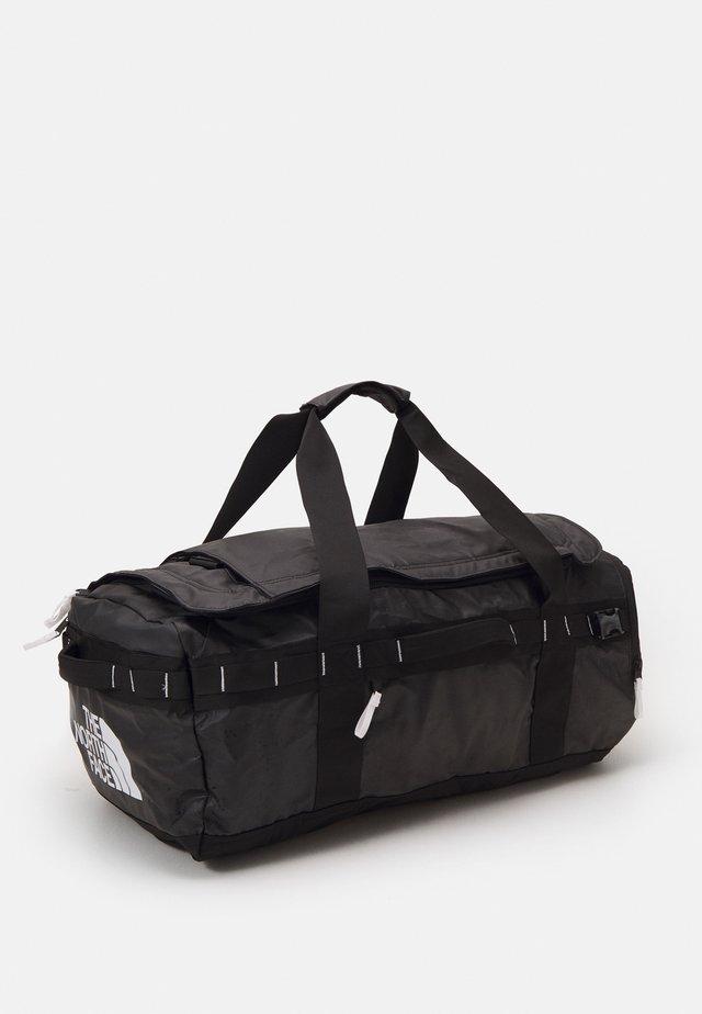 BASE CAMP VOYAGER DUFFEL UNISEX - Batoh - black/white