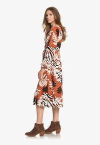 Roxy - ABOUT YOU NOW - Day dress - auburn savana big scale - 1