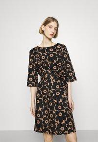 Marimekko - ILMAAN MINI UNIKKO DRESS - Shift dress - brown/black - 0