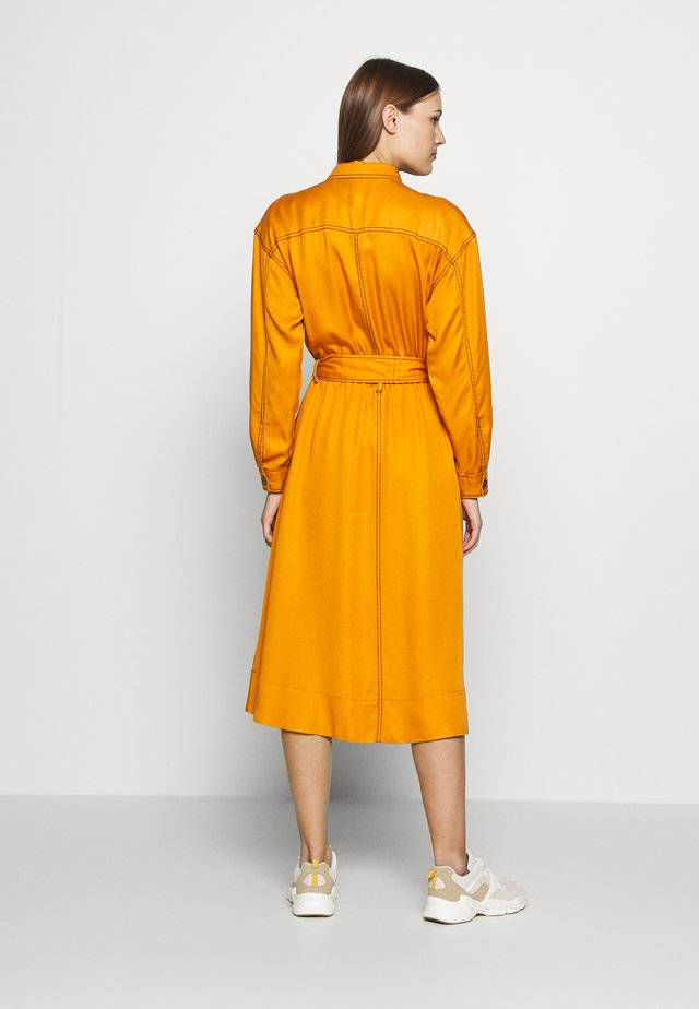 THE UTILITY MIDI DRESS - Robe chemise - marmalade
