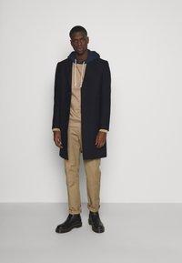 Isaac Dewhirst - Classic coat - dark blue - 1