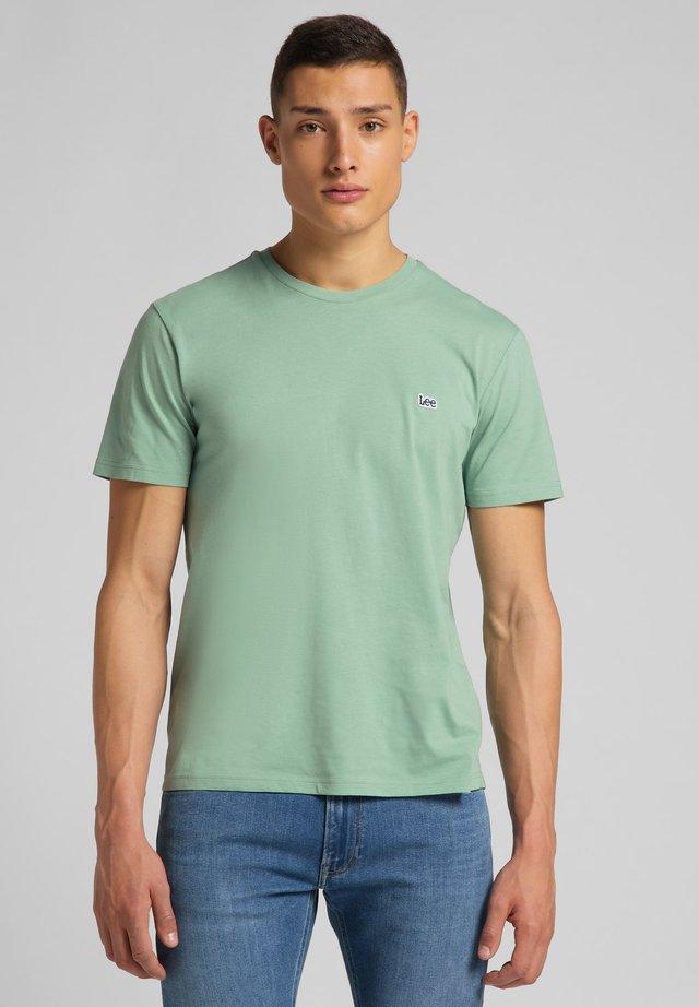 SS PATCH TEE - T-shirt basic - granite green