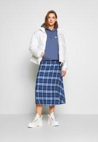 Nike Sportswear - HOODIE - Sweat à capuche - diffused blue/white - 1