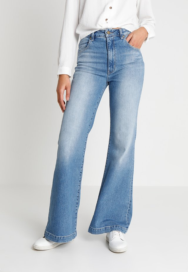 EASTCOAST - Flared jeans - karen blue
