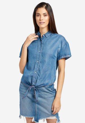 LUNA - Button-down blouse - blue denim