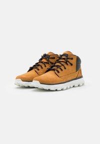 Timberland - TREELINE UNISEX - Sneakersy wysokie - wheat - 1