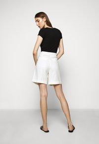CLOSED - JANIE - Shorts - ivory - 2