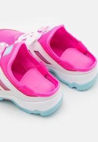 adidas Performance - TERREX HYDROTERRA UNISEC - Trekingové boty - screaming pink/hazy sky/footwear white - 5
