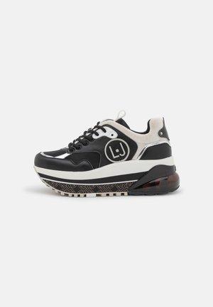 AIR MAXI  - Sneakers laag - black/silver