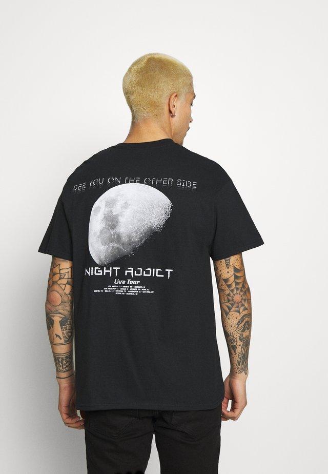 TOUR - T-shirt med print - black