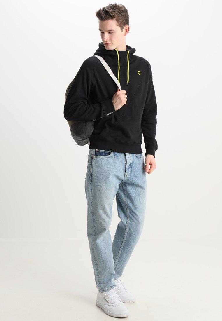 Jack & Jones Jcopinn Hood Regular Fit - Bluza Z Kapturem Black/yellow String