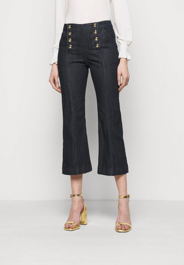 CROPD KICK SAILOR - Skinny džíny - indigo
