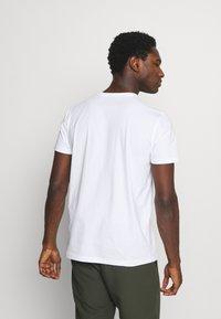 GANT - LOCK UP - T-shirt med print - white - 2