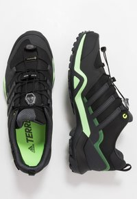 adidas Performance - TERREX SWIFT R2 GORE-TEX - Hikingsko - core black/dough solid grey/signal green - 1