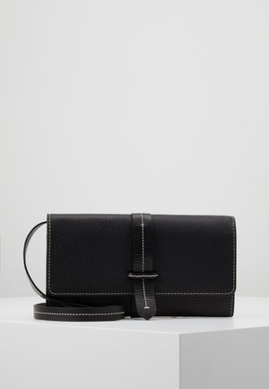 CARRA - Clutch - black