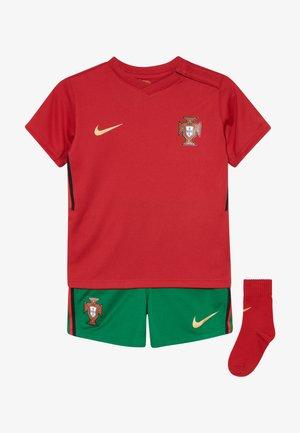 PORTUGAL FPF I NK BRT KIT HM SET - Sportovní kraťasy - gym red/metallic gold