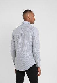 Polo Ralph Lauren - NATURAL SLIM FIT - Shirt - black/white - 2