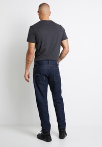 G-Star - SCUTAR 3D SLIM TAPERED 3D RAW DENIM MEN - Jeans Tapered Fit -  raw denim - 3