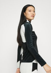 Who What Wear - MOCK NECK - Long sleeved top - black/white - 3