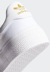 adidas Originals - 3MC SHOES - Joggesko - white - 8