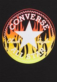 Converse - FLAMES HOODIE SET - Tracksuit bottoms - black - 3