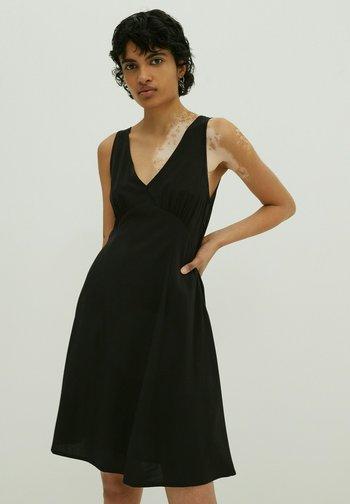 EVERLY - Day dress - schwarz
