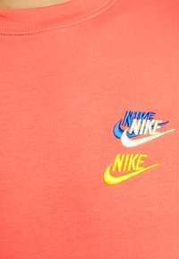 Nike Sportswear - Sweatshirt - magic ember - 6