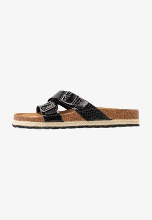 WIDE FIT FOXY DOUBLE BUCKLE FOOTBED - Domácí obuv - black