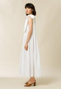 IVY & OAK - Maxi dress - bright white - 4