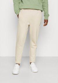 Nike Sportswear - PANT  - Pantaloni sportivi - grain - 0