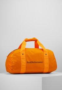 Peak Performance - DETOUR II 35L - Sports bag - explorange - 0