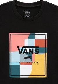 Vans - GR GIRLS COLOUR BLOCK BOX SS - Print T-shirt - black - 2