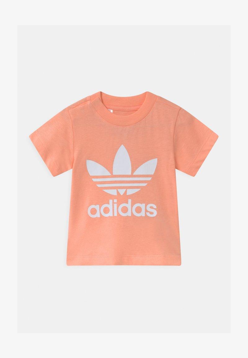 adidas Originals - TREFOIL UNISEX - Triko spotiskem - glow pink/white