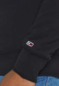 Tommy Jeans - TIMELESS CREW UNISEX - Sweatshirt - black - 5