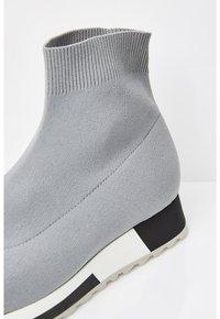 Talence - SOCK-STIL - Scarpe senza lacci - grau - 4
