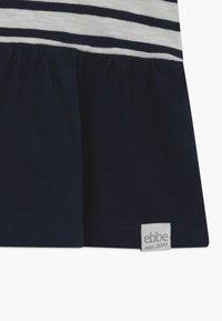 Ebbe - BENITA - T-shirt con stampa - offwhite/dark navy - 3