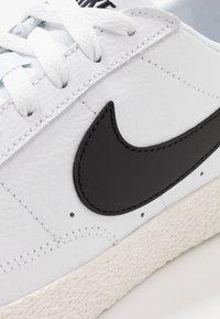 Nike Sportswear - BLAZER - Trainers - white/black/sail/light brown - 2
