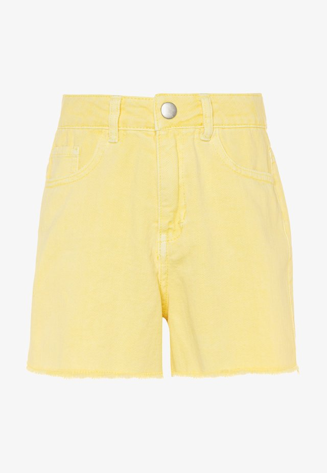NKFRANDI MOM TWIIZZA CAMP - Denim shorts - yellow iris