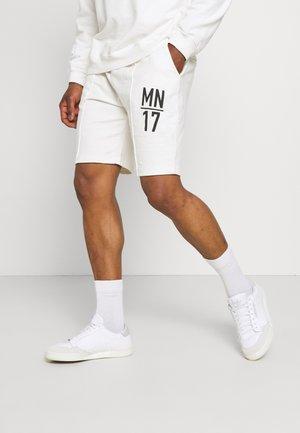 COURTSIDE WASHED REGULAR - Shorts - white