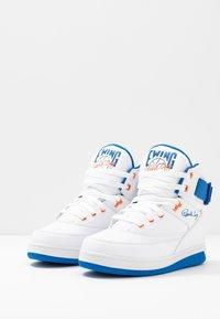 Ewing - 33 HI - High-top trainers - white/princess blue/vibrant orange - 2
