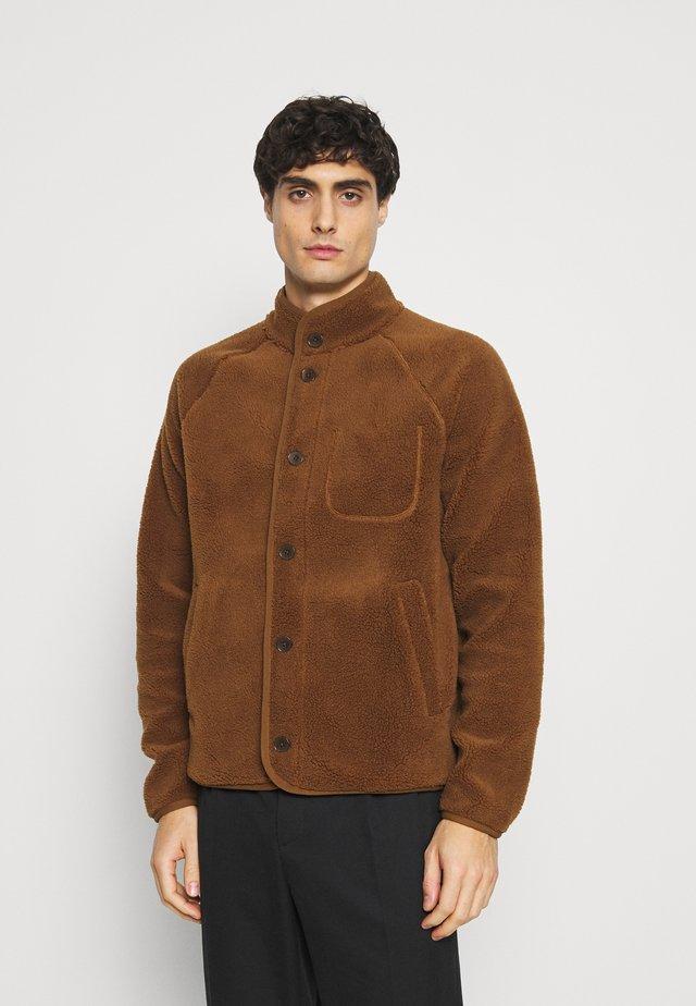 BUTTON JACKET - Forro polar - bronze brown