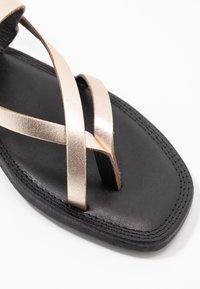 Shoe The Bear - TAO STRAP - T-bar sandals - gold - 2