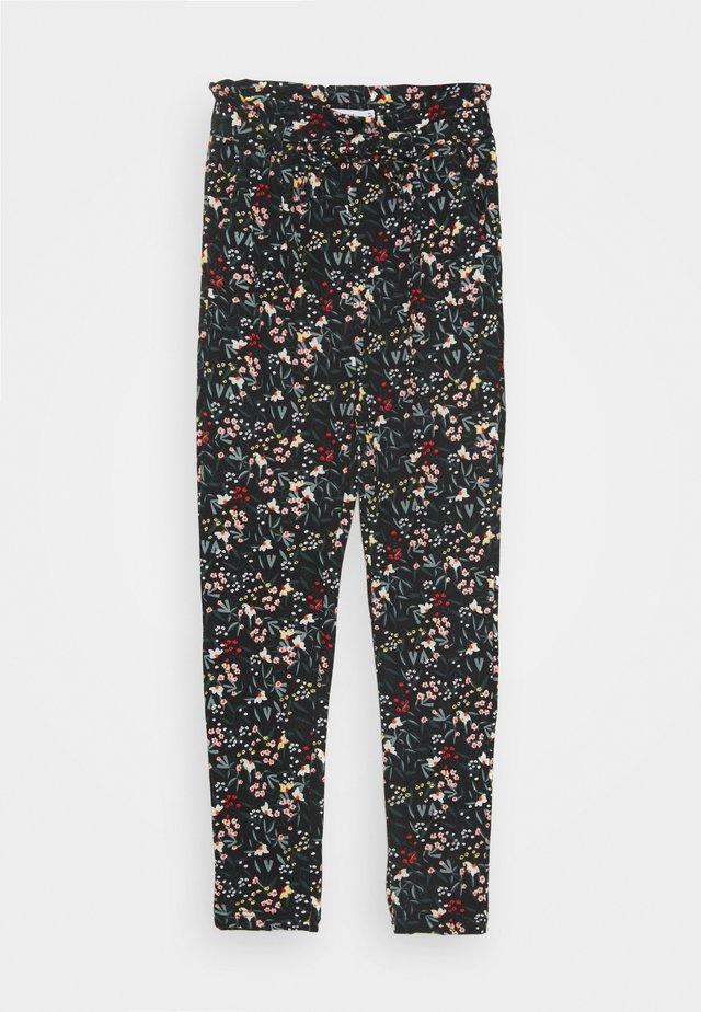 NKFLAUREN PANT - Pantalon classique - black