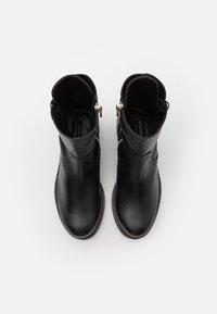 Patrizia Pepe - Šněrovací kotníkové boty - nero - 4