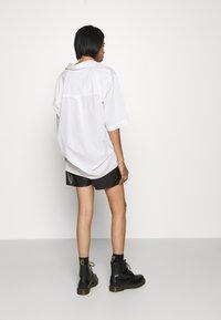 Noisy May - NMELISA - Shorts - black - 2