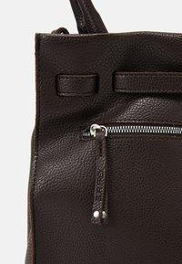 SURI FREY - SINDY - Handbag - brown - 4