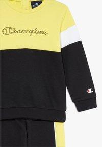 Champion - TODDLER COLORBLOCK SET - Tuta - black/yellow/white - 5
