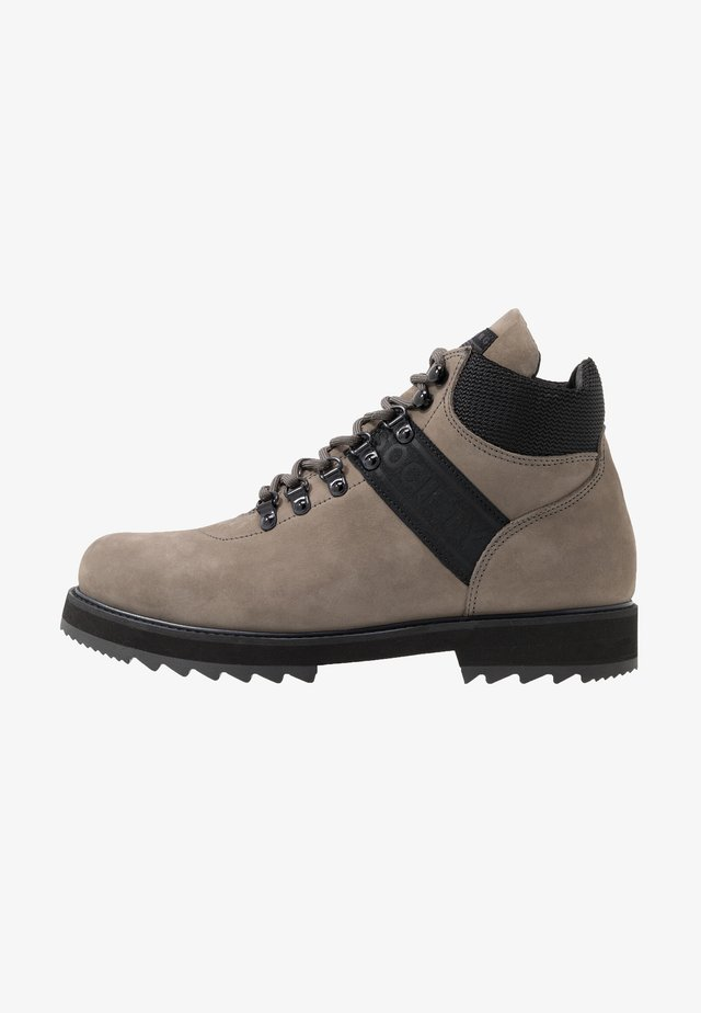 PEARY LOGO HIKER - Lace-up ankle boots - grey