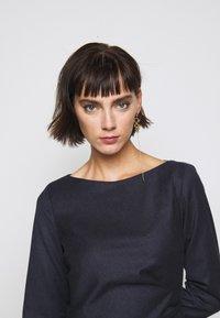 WEEKEND MaxMara - BURGOS - Pouzdrové šaty - blau - 3