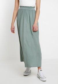 ONLY - Plisovaná sukně - chinois green - 0